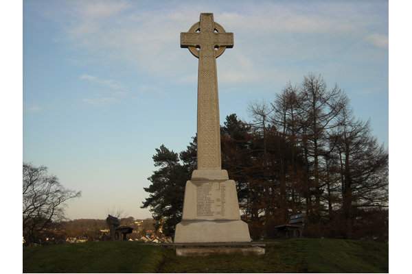 This memorial is located at Lochwinnoch Road, Kilmacolm.