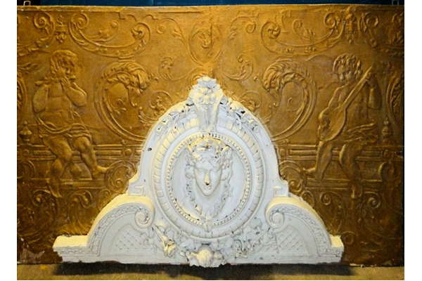 Piece of decorative plasterwork from the Empire Theatre, Clyde Square, Greenock. - 1858-1910 - 1979.7 - © McLean Museum and Art Gallery, Greenock.