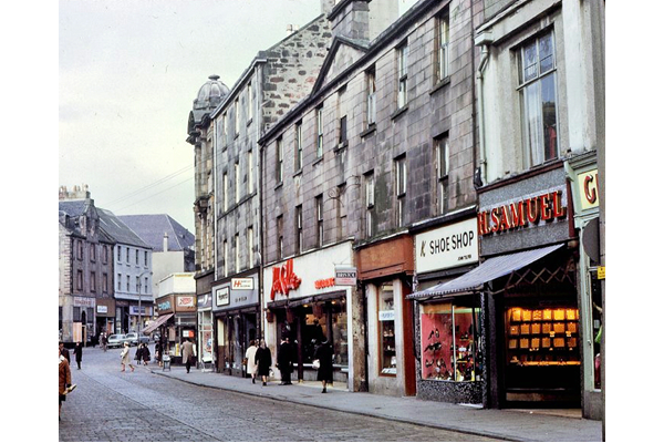 Hamilton Street, Greenock in 1968 - Colour transparency by Eugene Jean Méhat (1920-2000) - 2008.72.555 - © McLean Museum and Art Gallery, Greenock